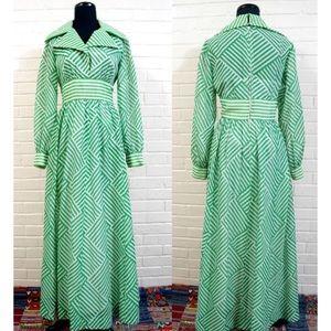 VTG 70s Boho Green & White Geometric Maxi Dress